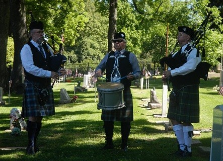 Bagpipes and Drummer
